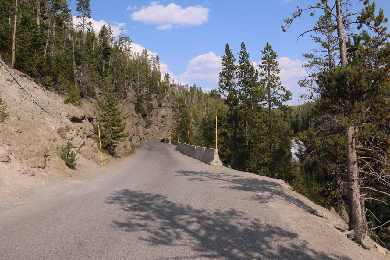 On the narrow Virginia Cascades Drive approaching the Virginia Cascade