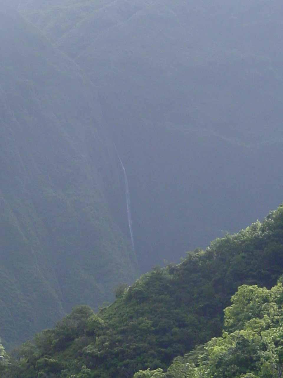 Mananole Falls