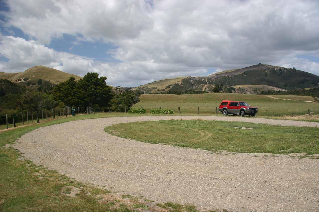 The big cul-de-sac car park at Waihi Falls