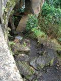Waikani_Falls_005_jx_02232007 - The start of the scramble to the base of the falls