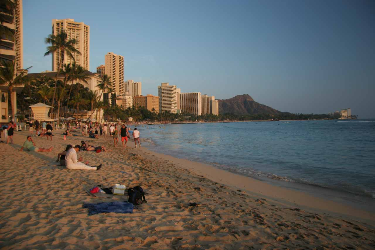 While Sandy Beach may seem like a pretty quiet spot, everyone seems to know about Waikiki Beach. For this reason, it's not so quiet, but it definitely has got a lot of energy