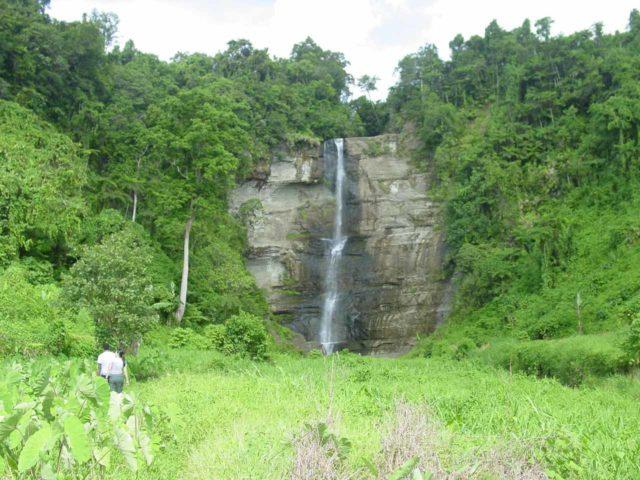 Wainuta_Falls_008_12262005