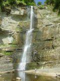 Wainuta_Falls_013_12262005