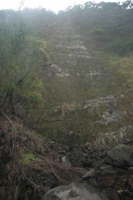 Waipio_029_03112007 - The dry Kaluahine Falls