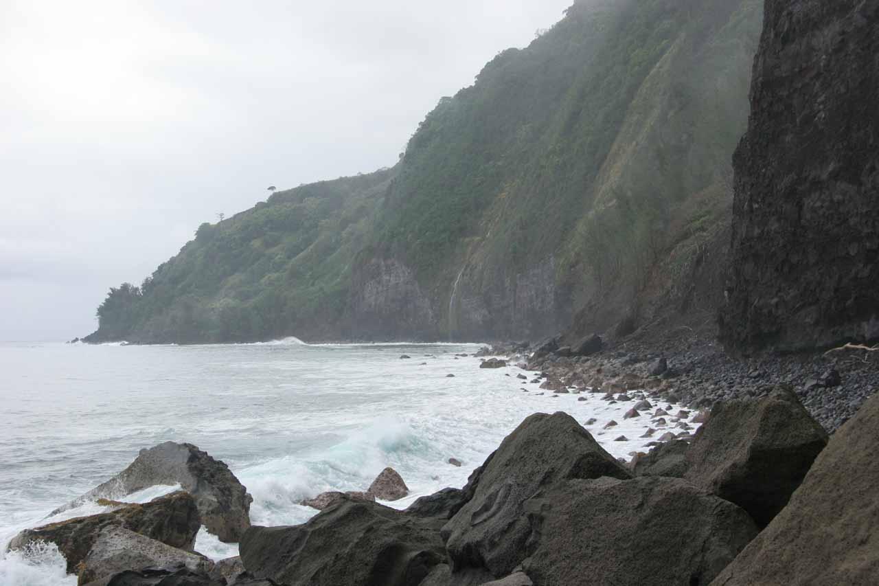 Checking out the full context of Waiulili Falls
