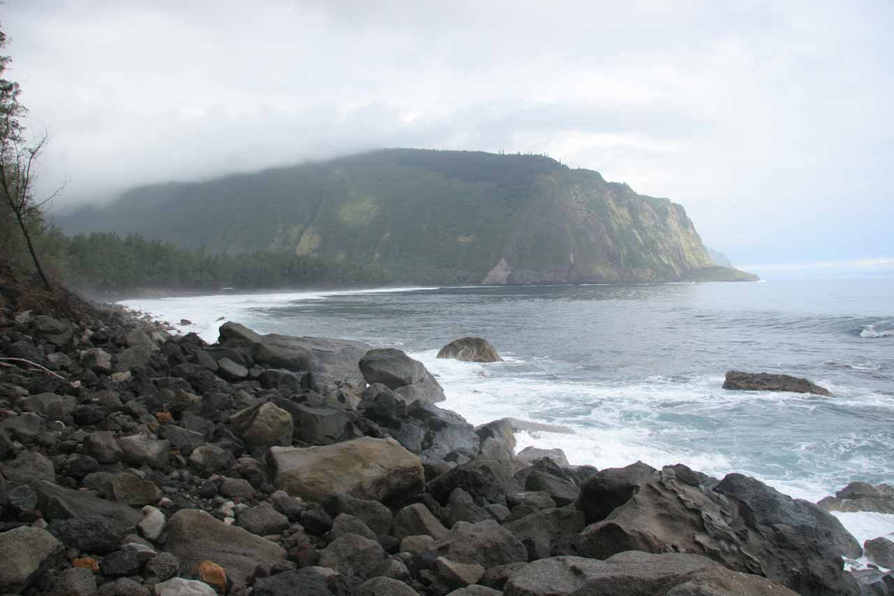 The coastline at the foot of Waipi'o Valley