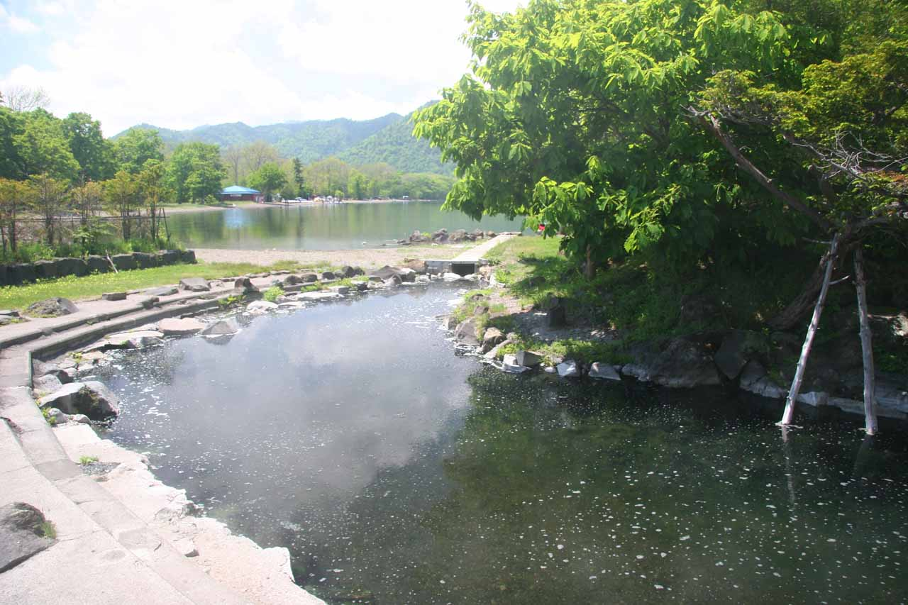 Roughly 2 hours southwest of Utoro (or about 45 minutes south of Abashiri/Shari) was Lake Wakoto and the Wakoto-hanto, which featured this natural onsen bordering the lake