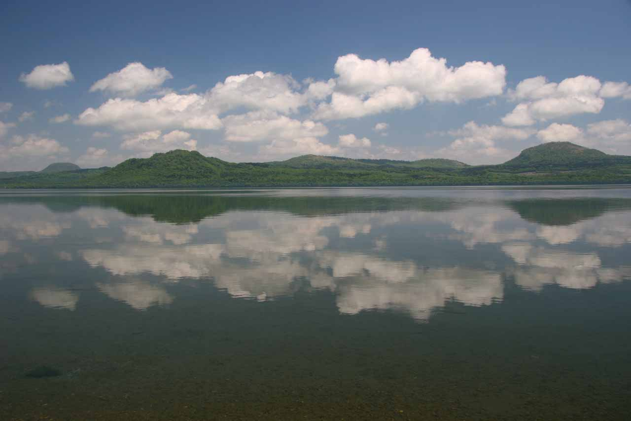 Roughly 2 hours southwest of Utoro (or about 45 minutes south of Abashiri/Shari) was Lake Wakoto and the Wakoto-hanto, which had views of the lake like this as well as a natural onsen