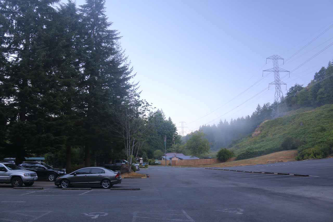 The fairly large parking lot at the Wallace Falls State Park Trailhead