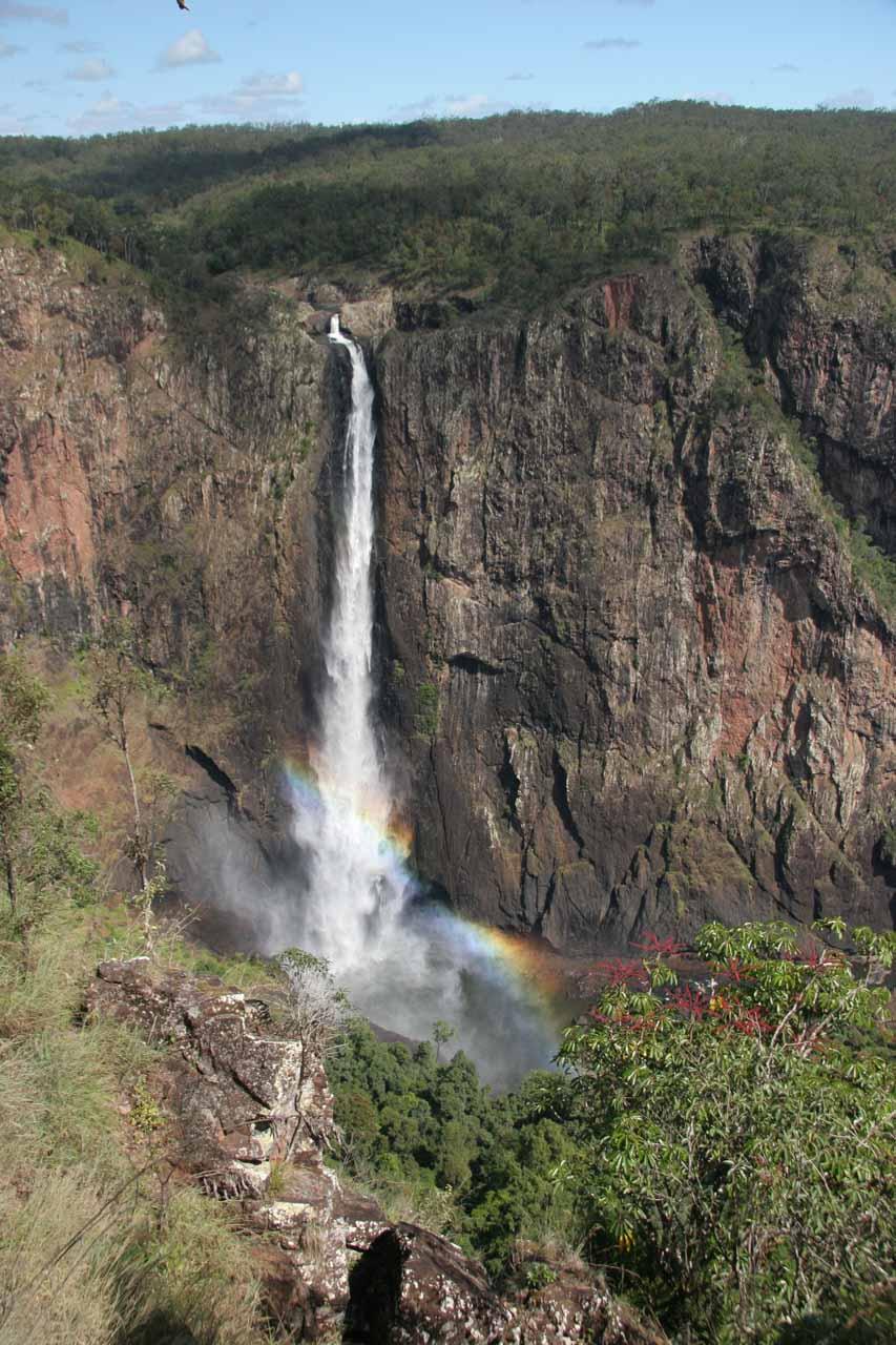 Back at Wallaman Falls but now it has a rainbow