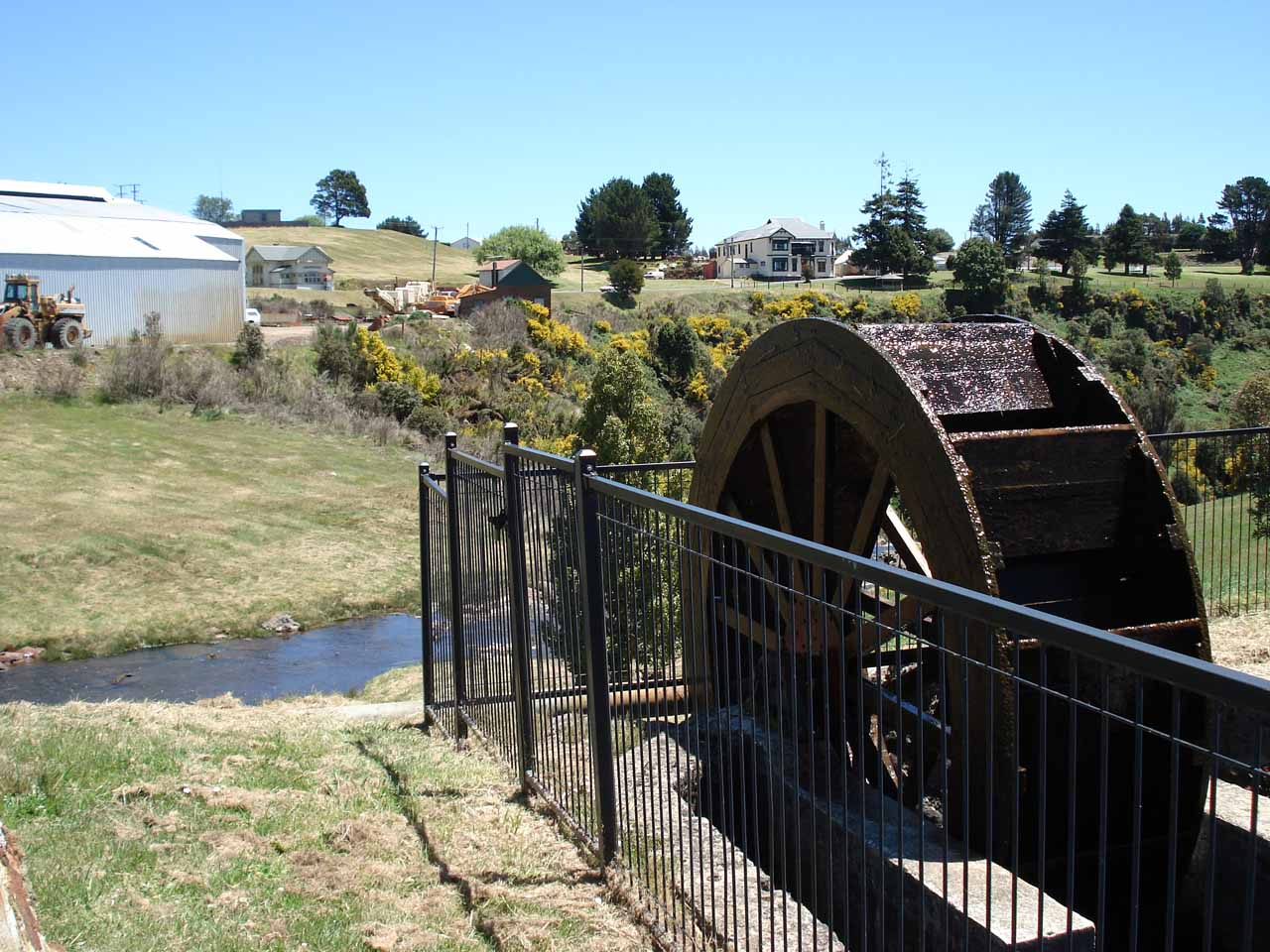 This was the Dudley Kenworthy Wheel that was at the top of Waratah Falls.  It was said to be the evidence that the hydro power generated by this wheel illuminated the town of Mt Bischoff (Waratah)