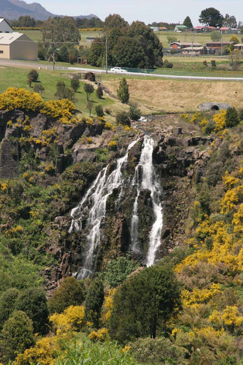 Closer look at the impressive Waratah Falls