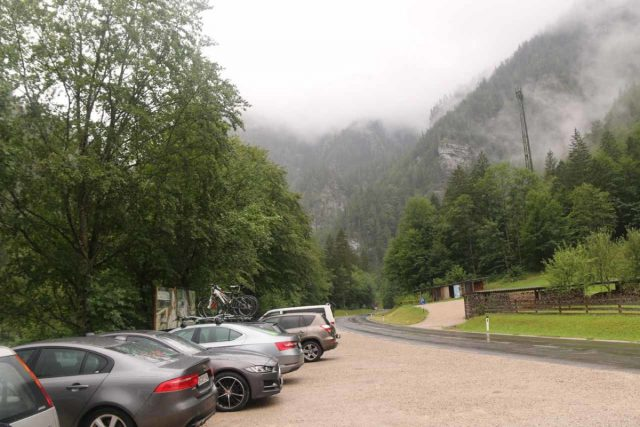 Wasserlochklamm_001_07062018 - Roadside parking for the Wasserlochklamm along the B24 in Palfau