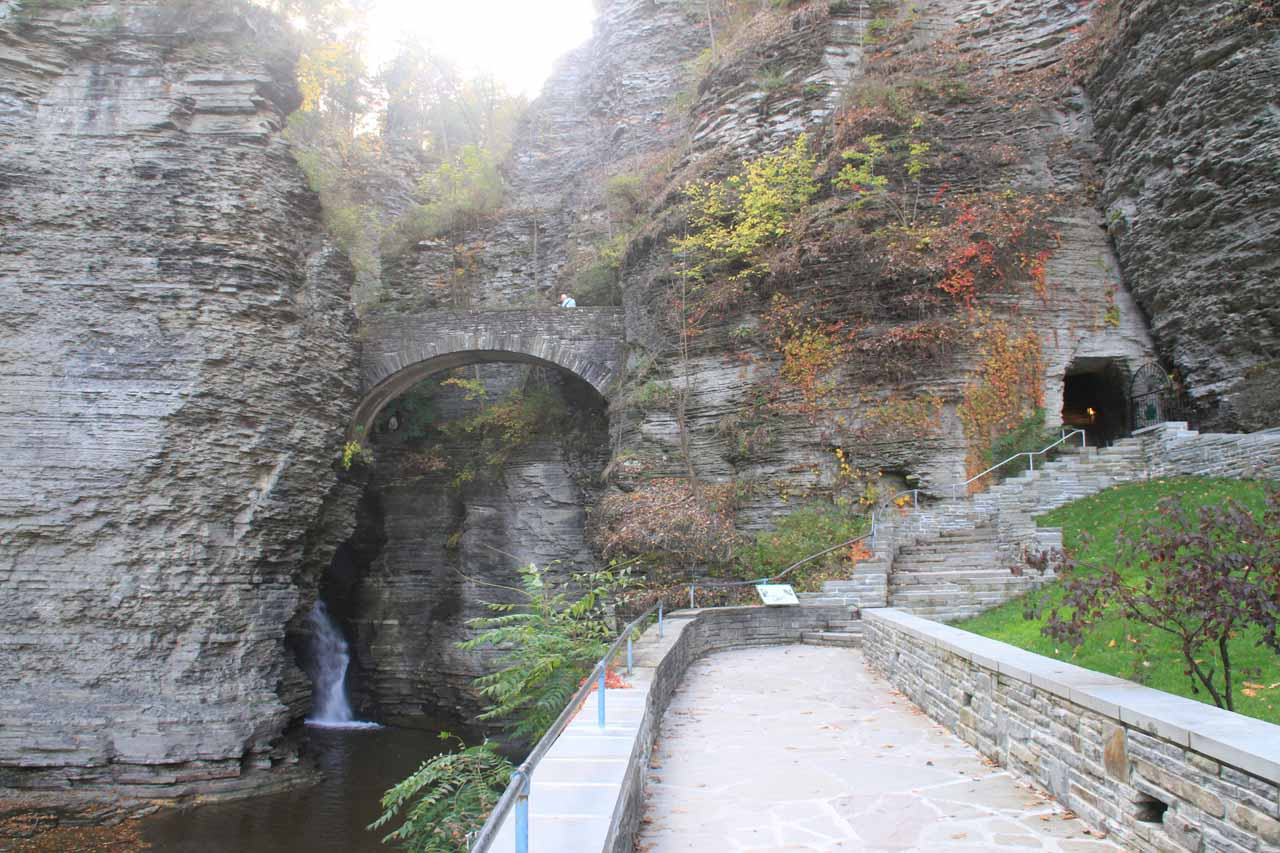 Approaching the tunnel and Sentry Bridge with a hidden cascade beneath the bridge