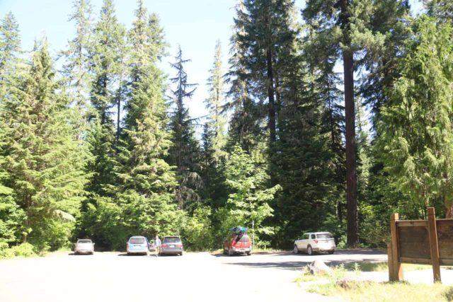 Watson_Falls_006_07142016 - The parking lot for the Watson Falls Trail