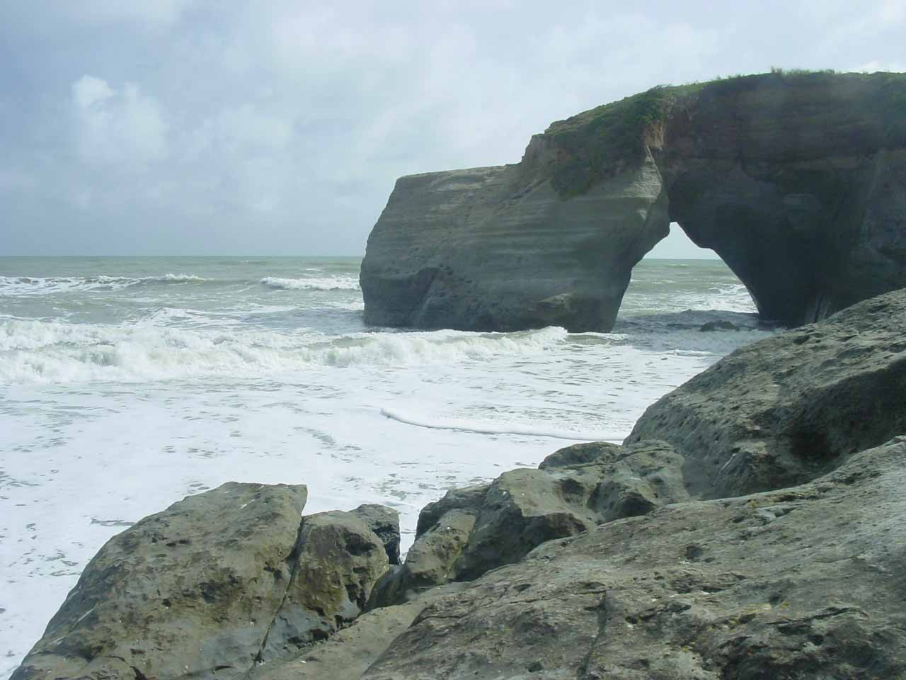 The natural arch at Waverley Beach