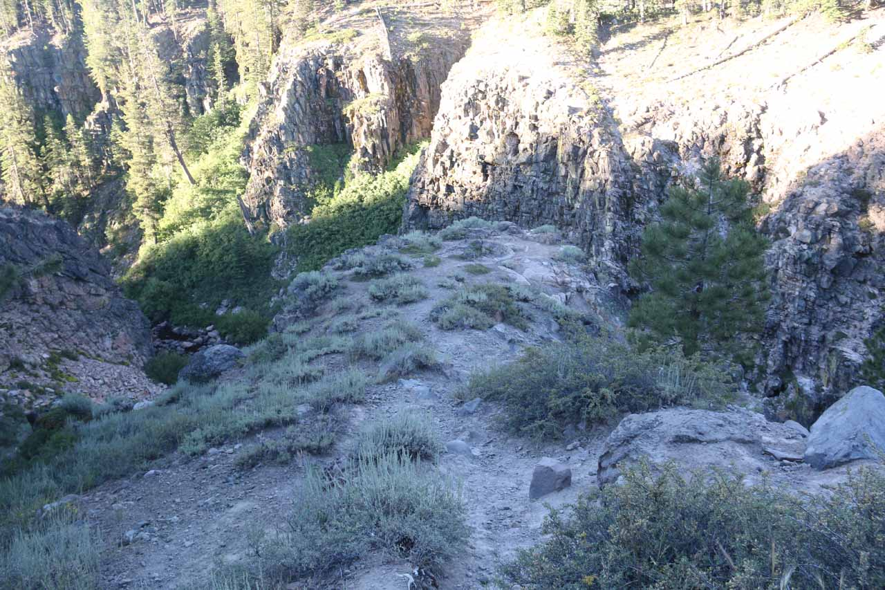 Descending onto that rock outcrop yielding perhaps the best relatively safe view of Webber Falls that I was able to get