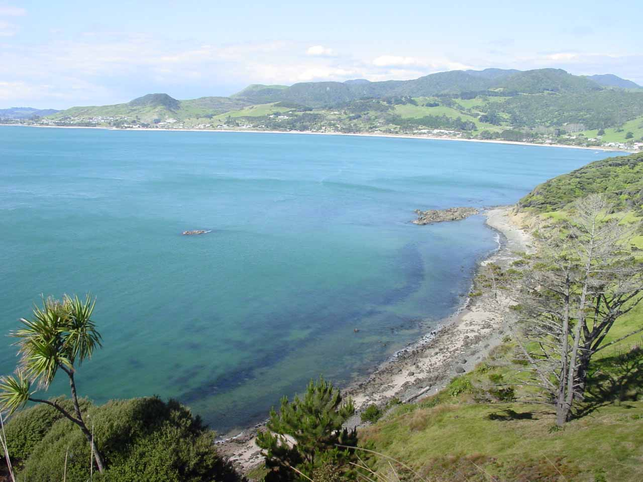 Further to the west of the Bay of Islands was the Hokianga Harbour, which afforded us this view of Northland's west coast and its beautiful blue waters