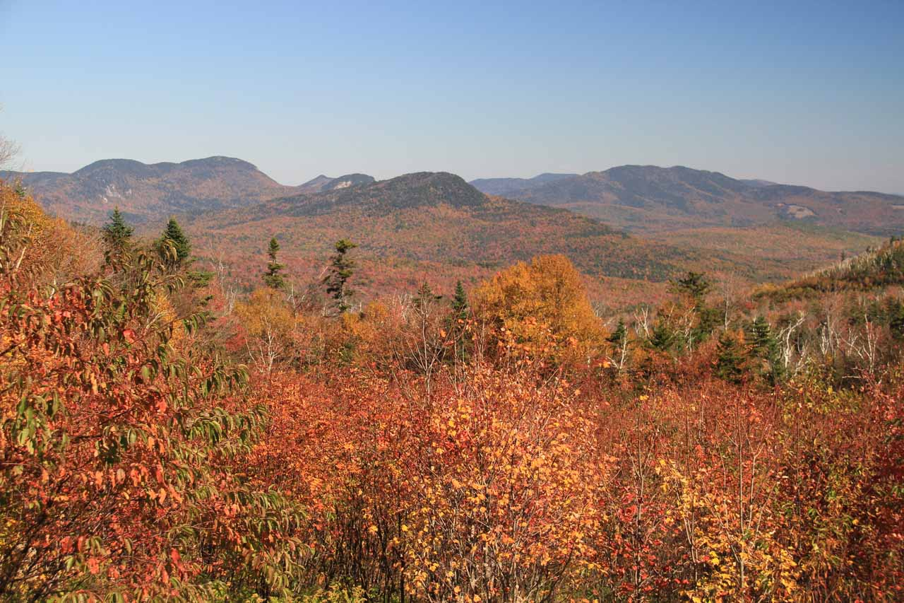 Before reaching Sabbaday Falls, Hwy 112 crossed over the Kancamagus Pass, which yielded this lovely panorama bathed in Autumn colors