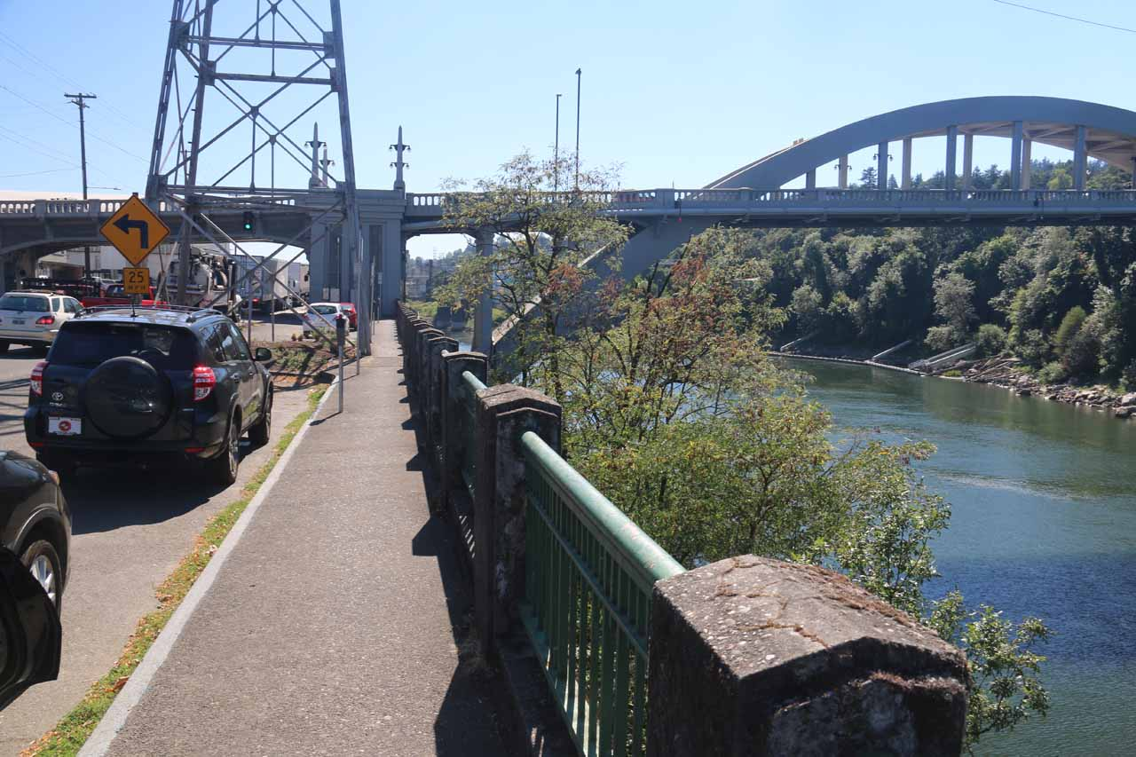 Metered street parking along McLoughlin Blvd and the south bank of the Willamette River