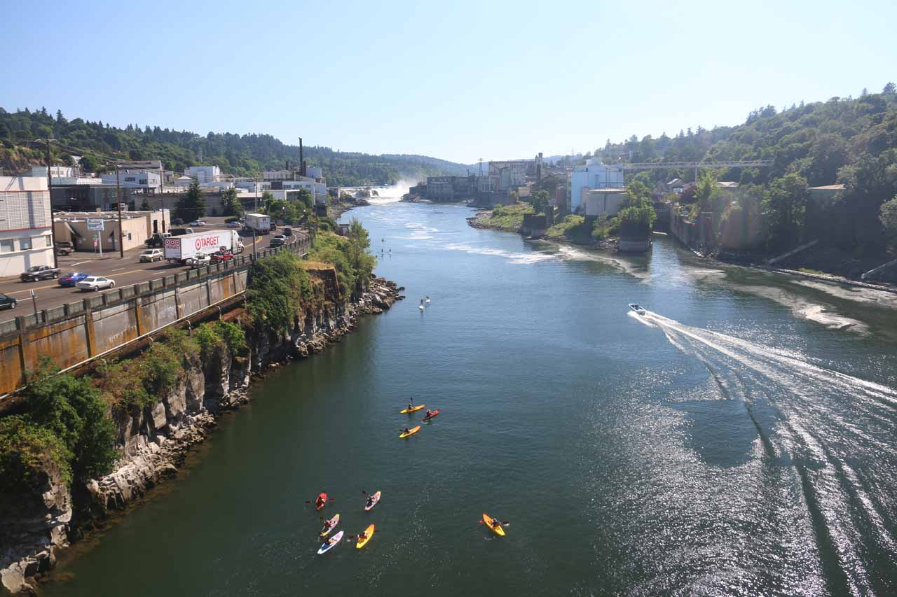 Full contextual view of the Willamette River towards the falls from the Oregon City Arch Bridge