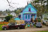 Willamette_Falls_Promenade_028_04072021 - This colorful home caught my attention while walking the McLoughlin Promenade