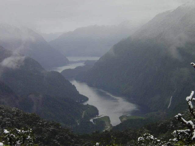 Wilmot_Pass_038_11252004 - Looking into the Doubtful Sound from Wilmot Pass