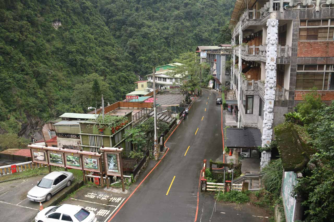 Looking down at the main street passing through the Wulai Town