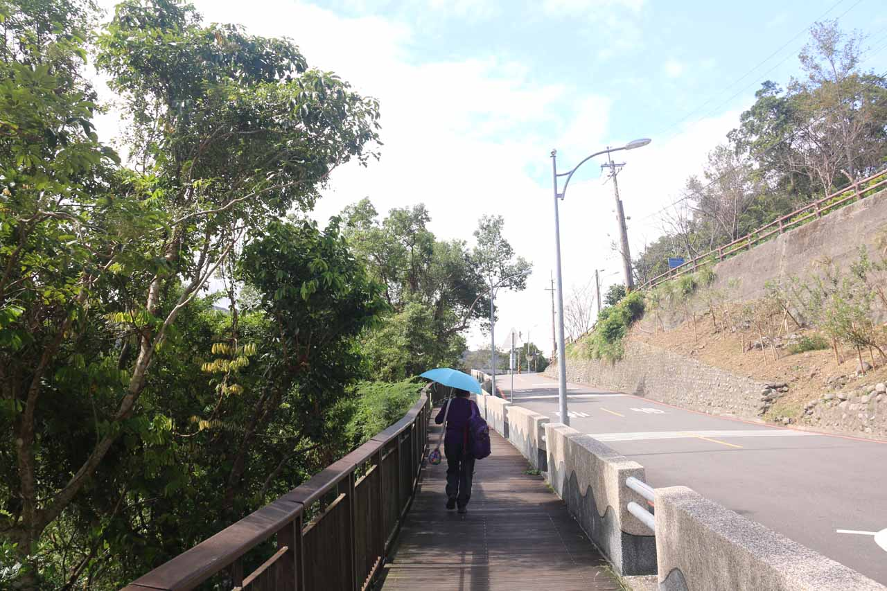We opted to walk back along the road towards the lookout area for the Xiao Wulai Waterfall
