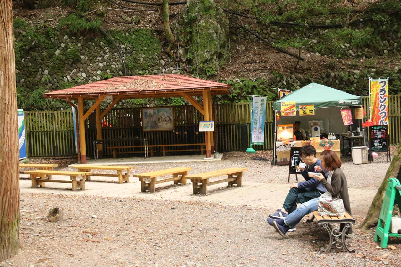 Near Yoro Falls, there were lots of sitting benches as well as a food stand selling skewers