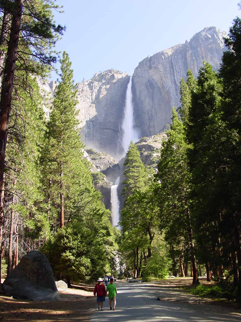 6. YOSEMITE FALLS [Yosemite National Park (California), USA]