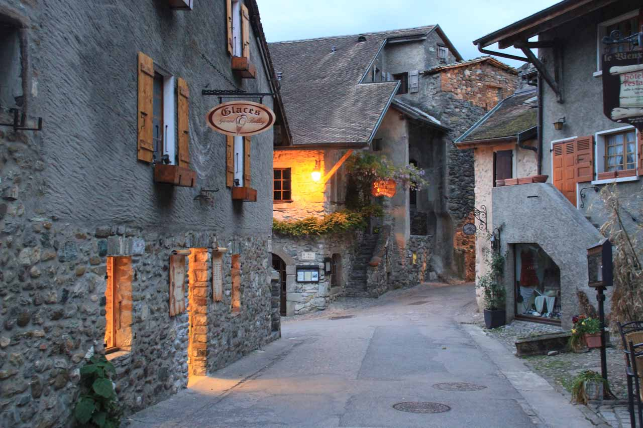 Prior to our arrival in the Jura Mountains as well as Les Cascades du Herisson, we had spent a magical night in the charming Yvoire to the northeast of Geneva on the southern shores of Lake Geneva
