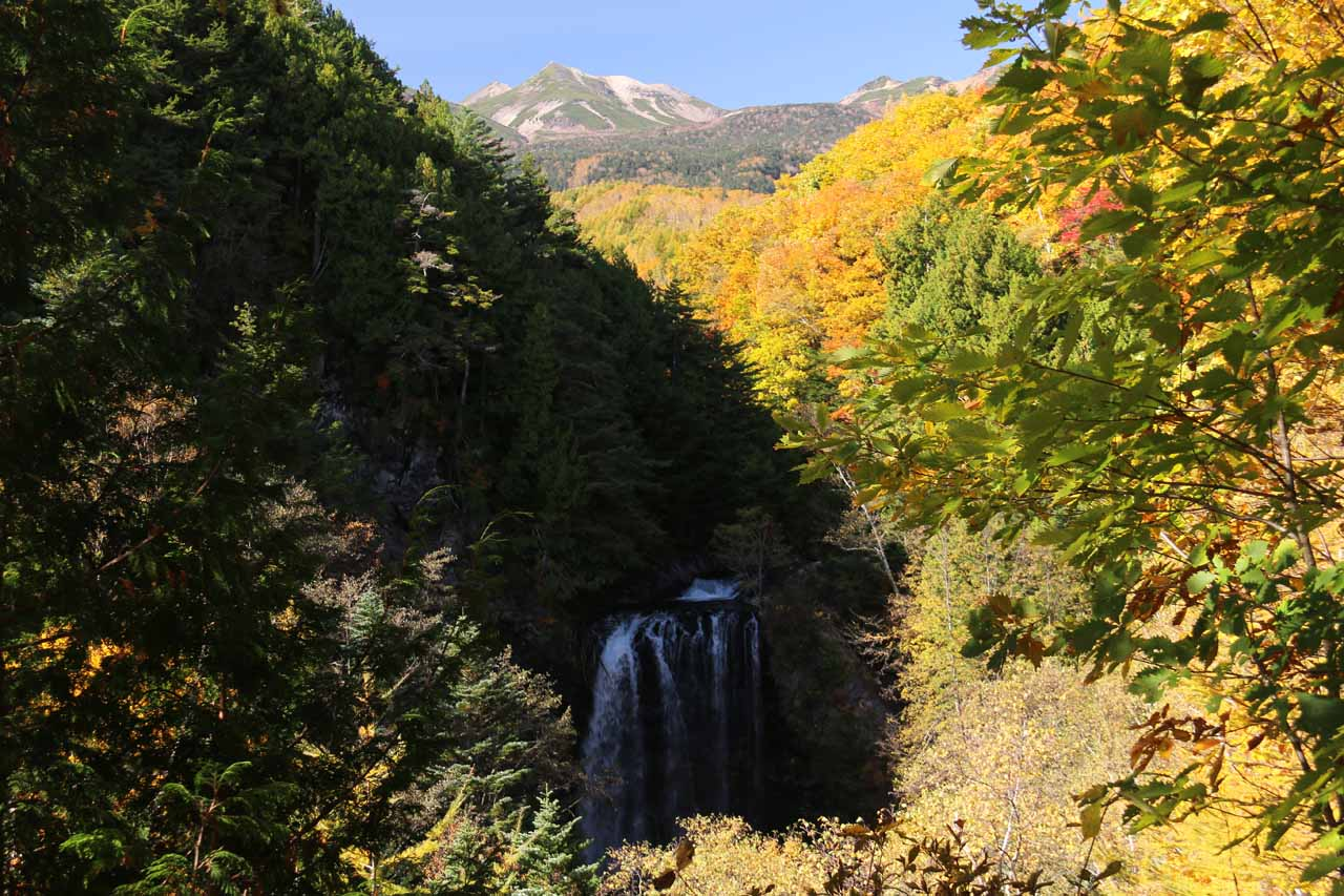 This was our bonus view of the Zengoro Falls with Mt Norikura in the distance, which we managed to get by taking the unmarked trail as opposed to the marked one from Road 84