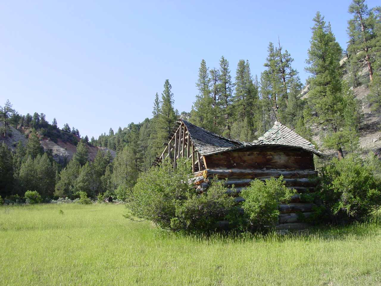 This dilapidated cabin we noticed before getting into the Virgin River is called Bulloch's Cabin