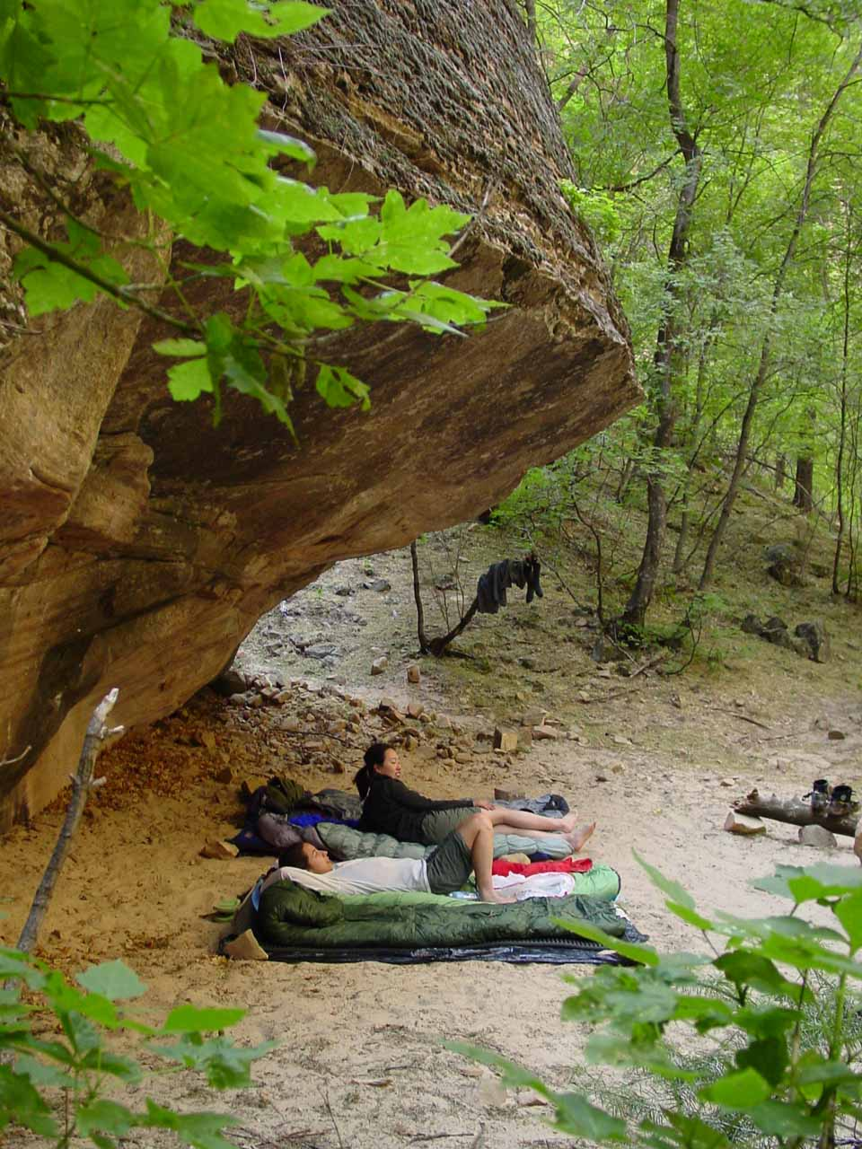 We spent a relatively comfortable tentless night within the Narrows