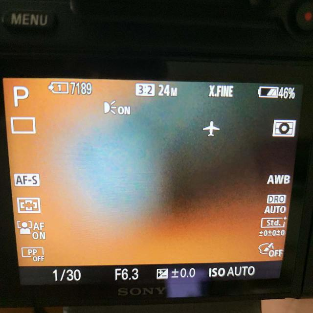 The Sony SEL24240 unable to autofocus because of the minimun distance required by the lens
