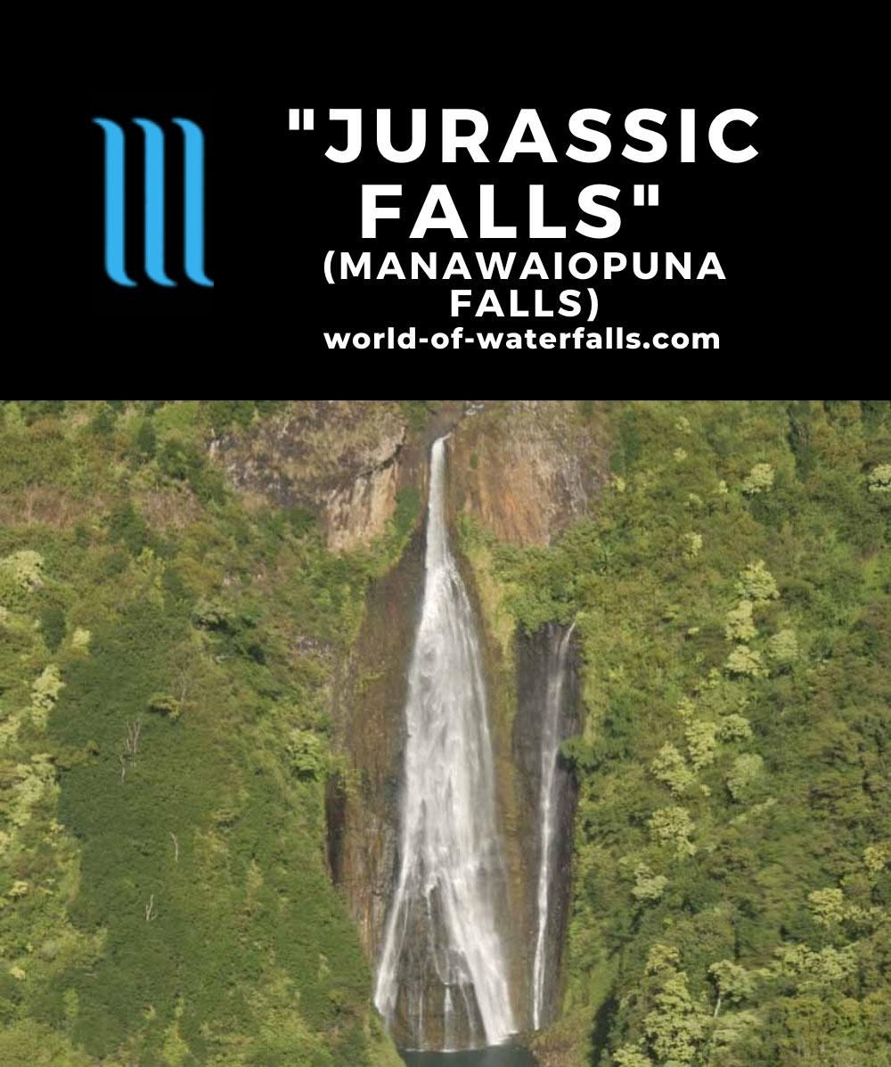 Air_Kauai_heli_036_12262006 - Aerial view of Manawaiopuna Falls